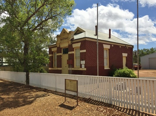 Chapman Valley Historical Society - Nanson Roads Board building