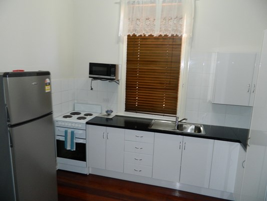 Champion Bay Apartments - fully self contained Kitchen