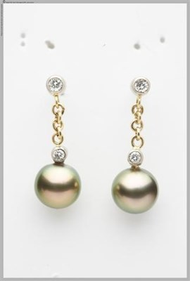 Chimere Pearls - Pearl Earrings