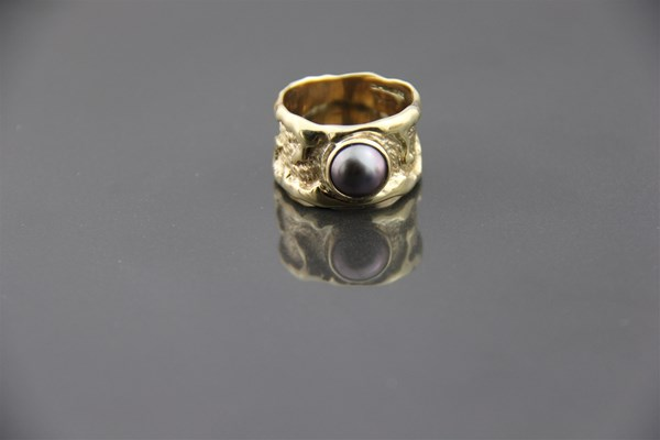 Chimere Pearls - Coral Collection Ring