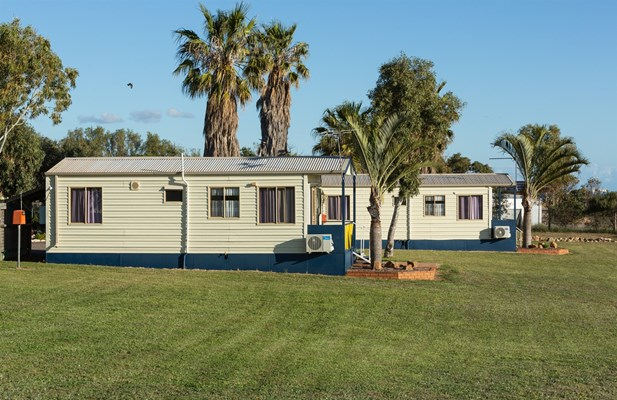 Drummond Cove Holiday Park - Holiday Cabins