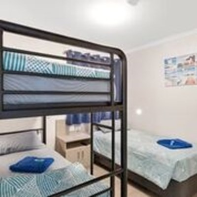 Horrocks Beach Caravan Park - Holiday unit 2nd bedroom